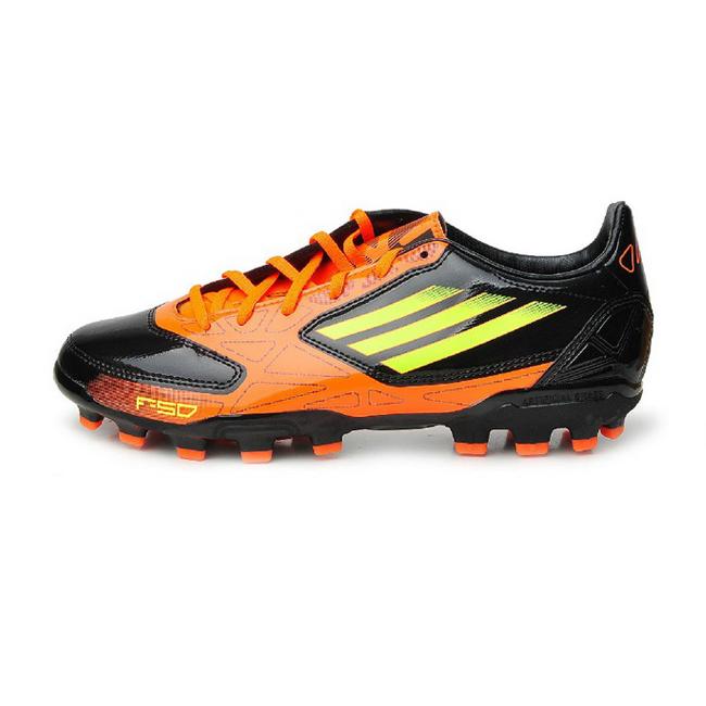 梅西足球鞋